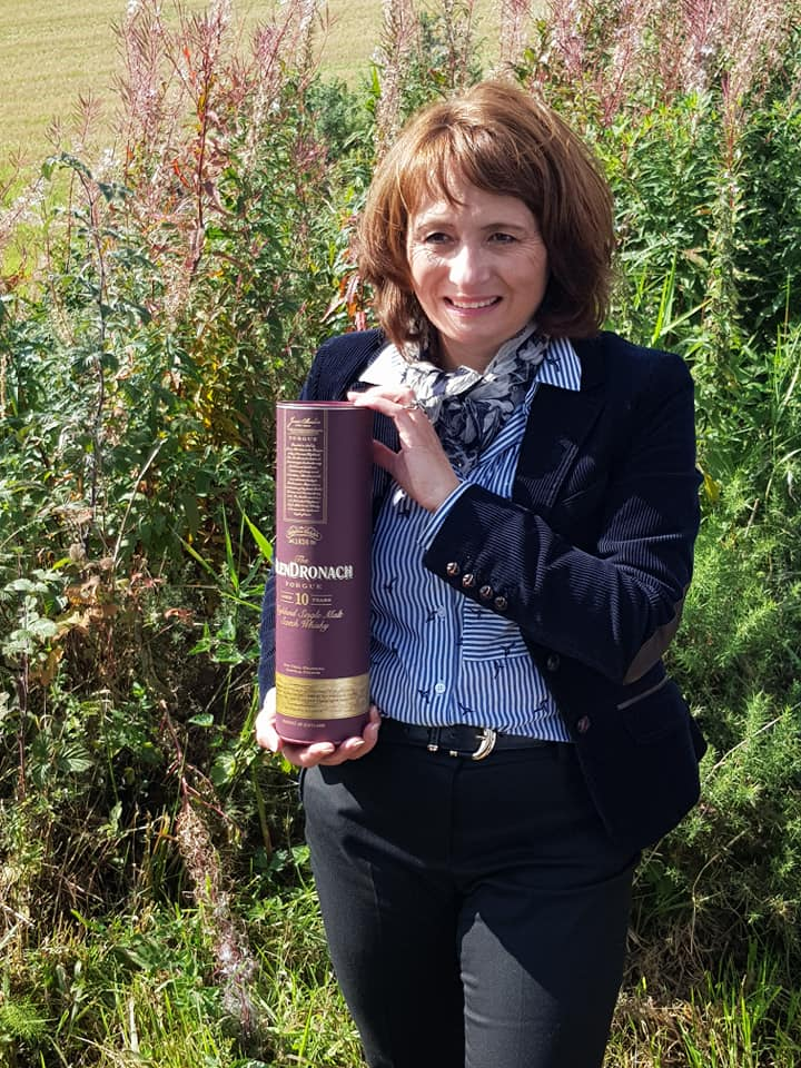 Rachel Unveiling The Glendronach 10yo For The First Time
